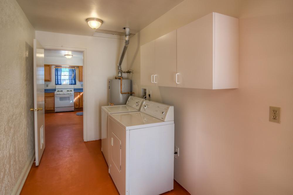 16 Laundry Room photo a.jpg