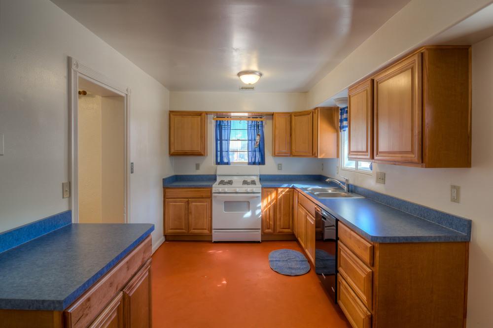 15 Kitchen photo c.jpg