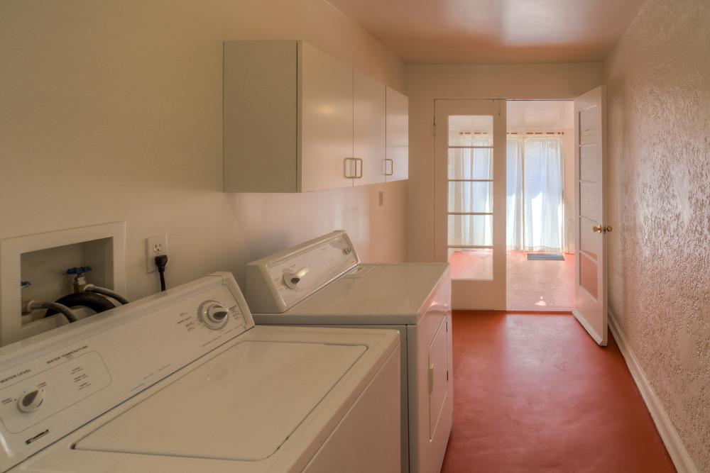 17 Laundry Room photo b.jpg