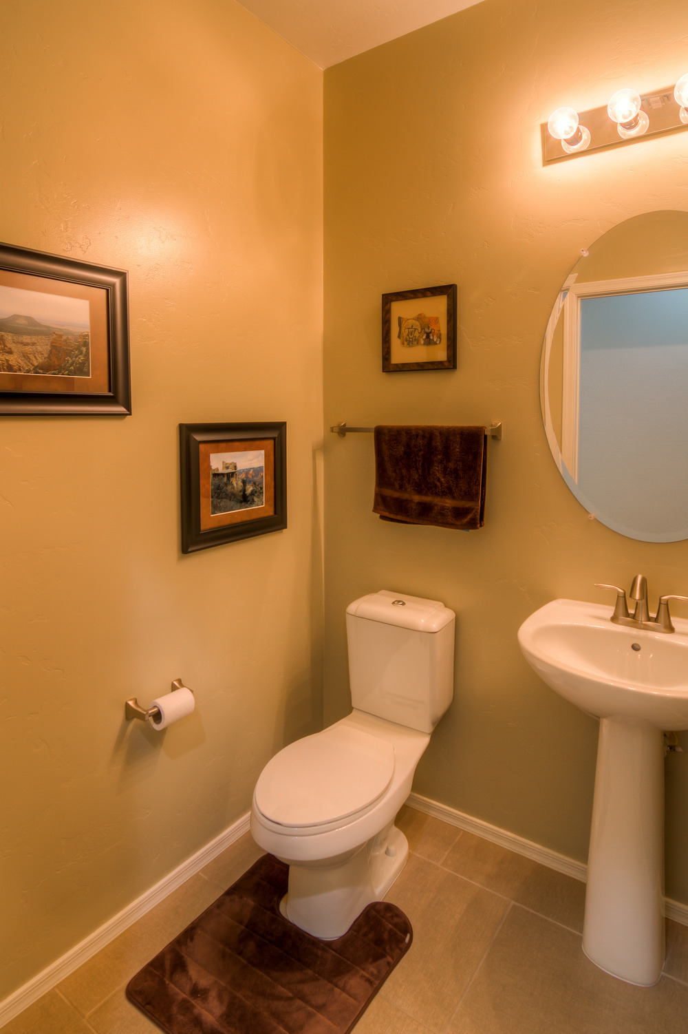 9 Bathroom 1.jpg