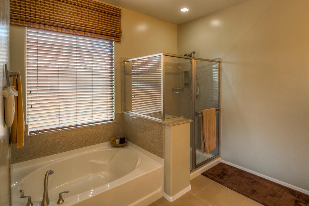 40 0Master Bath photo c.jpg