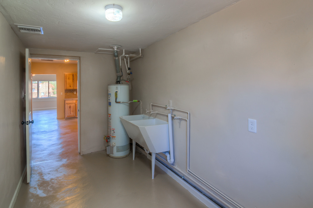21 Laundry Room photo a.jpg