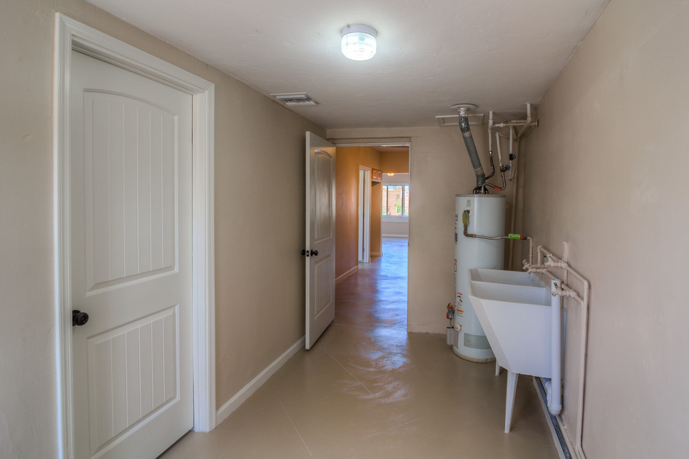 23 Laundry Room photo c.jpg