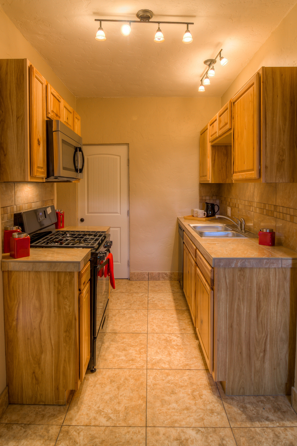 27 Guest Kitchen photo c.jpg