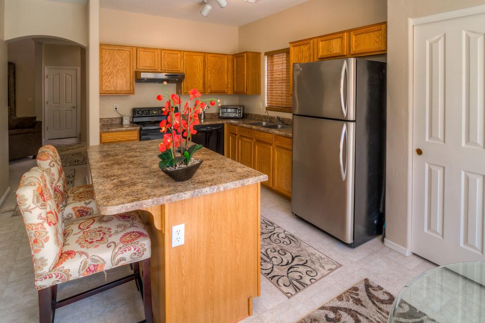 16 Kitchen photo d.jpg