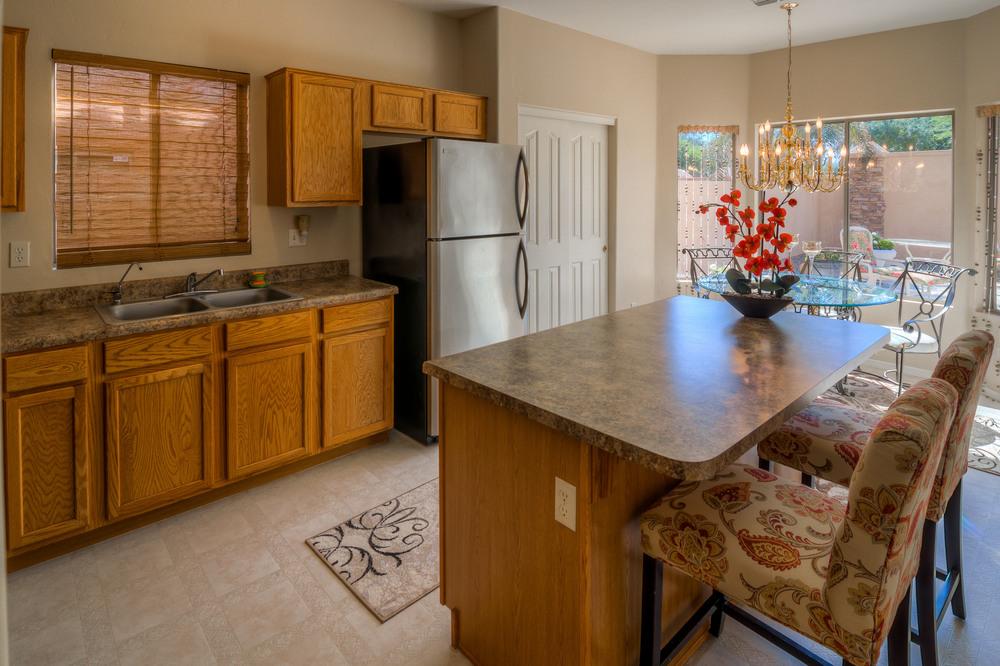 18 Kitchen photo f.jpg