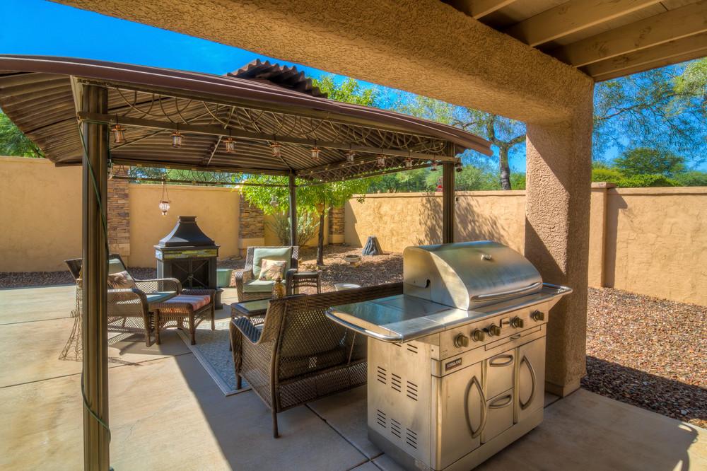 36 Backyard photo a.jpg