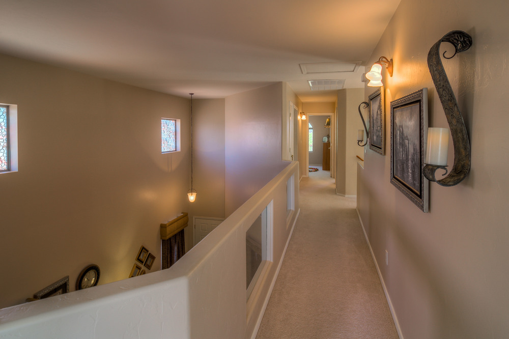 35 Upstairs Hall.jpg