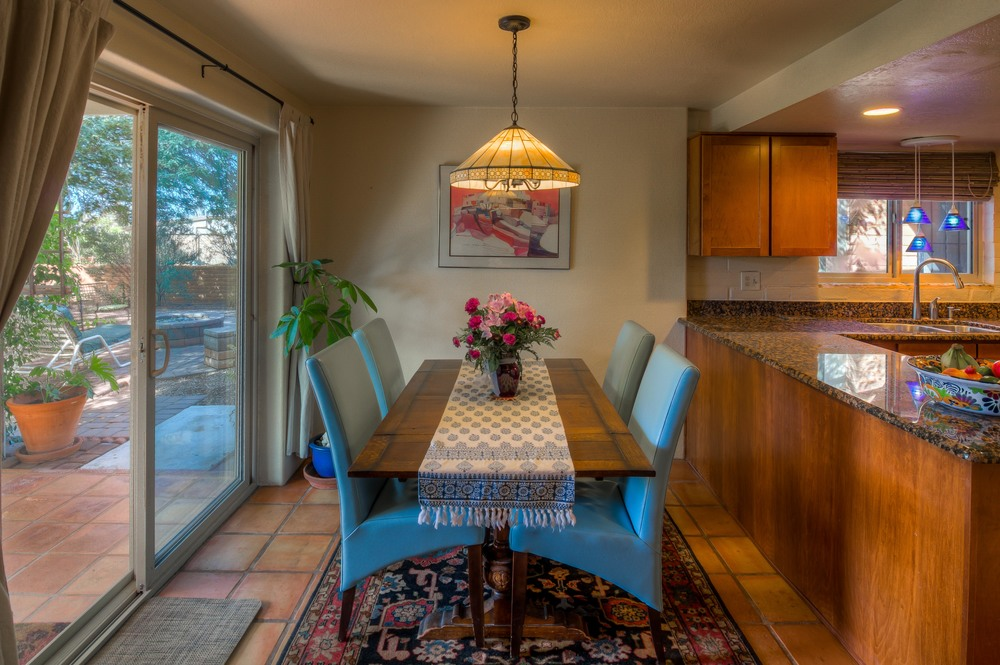 14 Dining Room photo e.jpg