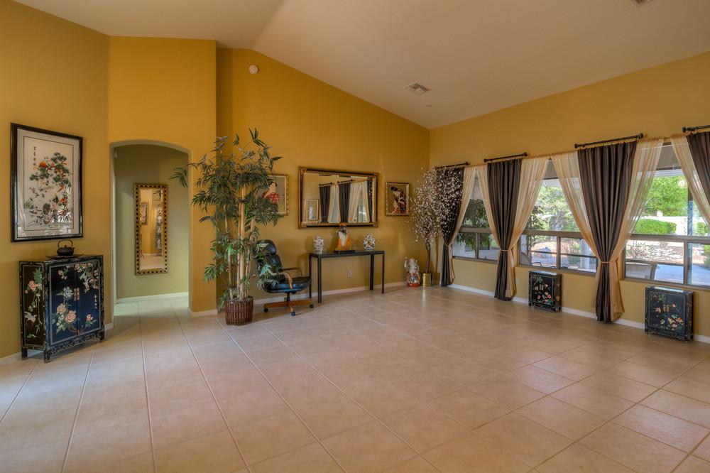 7 Living Room photo b.jpg