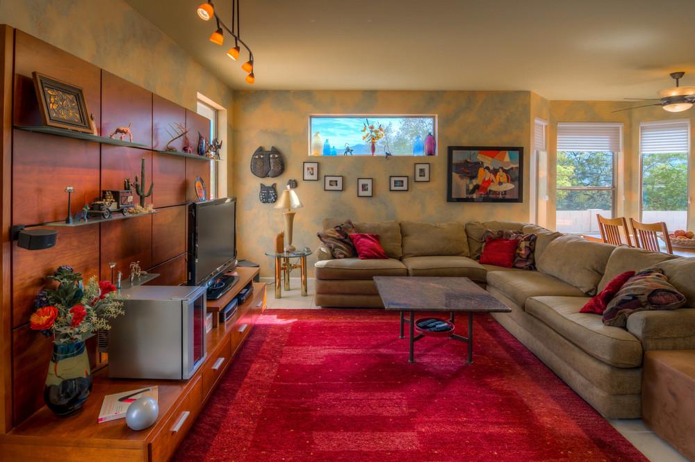 13 Family Room photo b.jpg