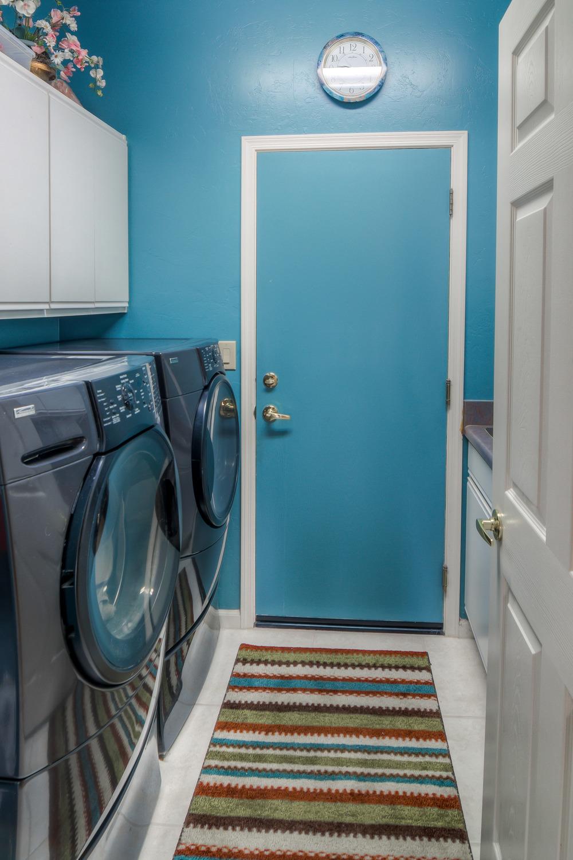 28 Laundry Room photoa a.jpg