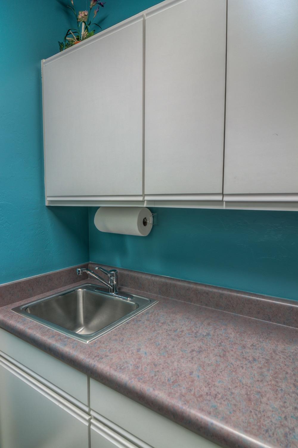 29 Laundry Room photoa b.jpg