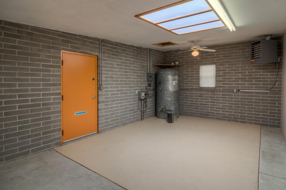 45 Garage Storage photo b.jpg