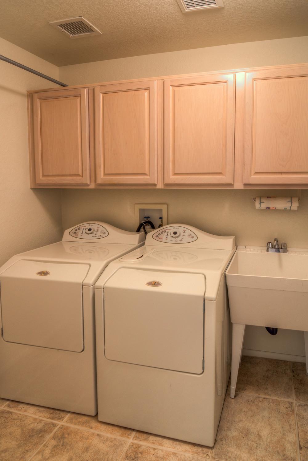 39 Laundry Room.jpg