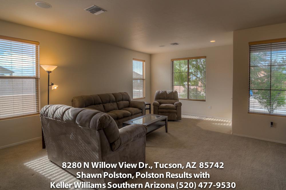6 Living Room photo b-2tiff.jpg