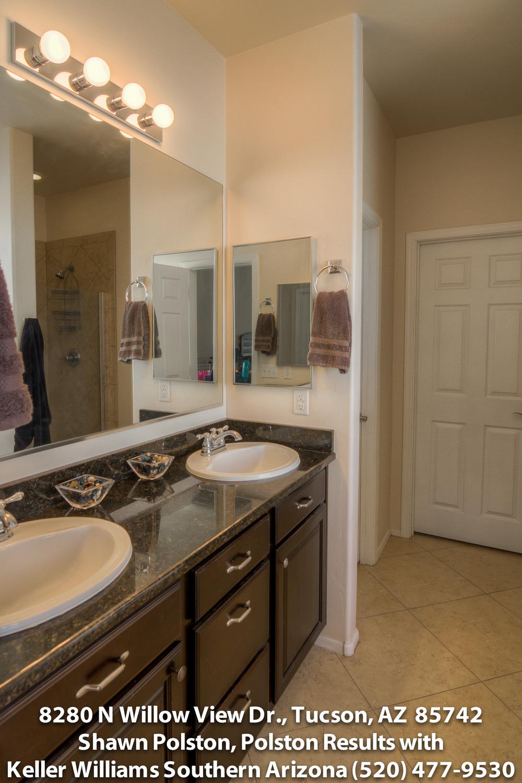 26 Master Bathroom photo atiff.jpg
