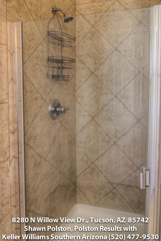 29 Master Bathroom photo dtiff.jpg
