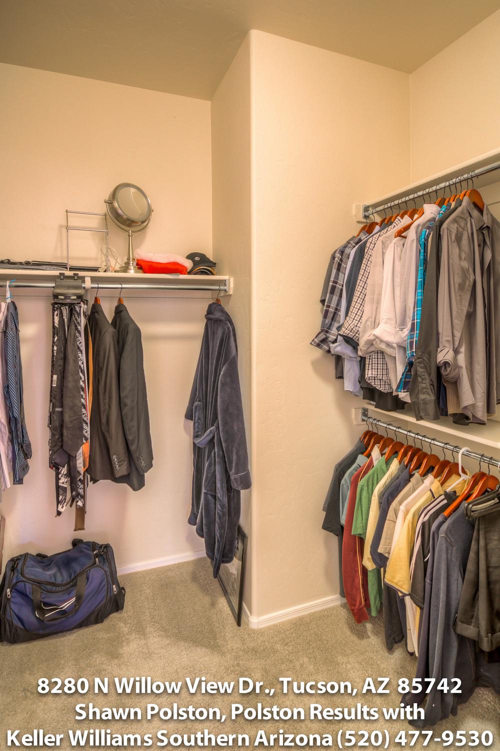 30 Master Closet-2tiff.jpg