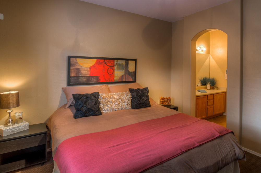 19 Master Bedroom photo d.jpg