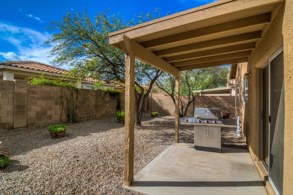 33 Backyard photo c.jpg
