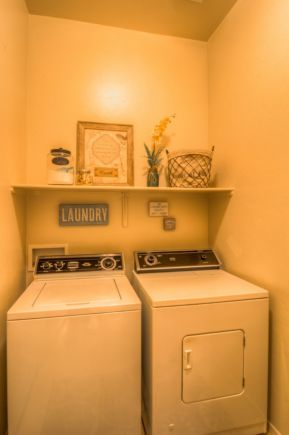 15 Laundry Room photo b.jpg
