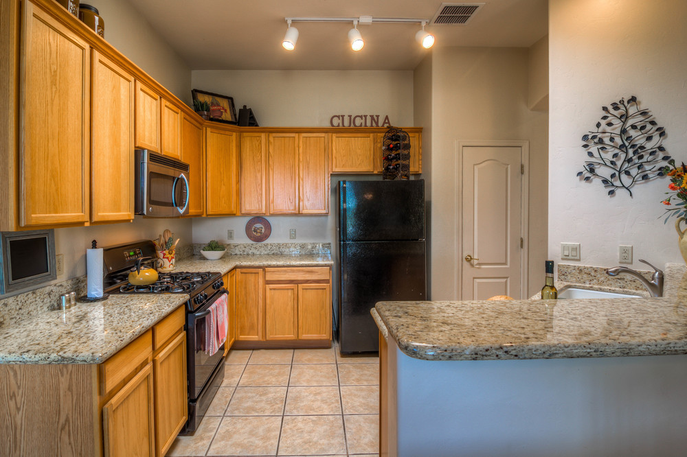 33 Kitchen photo c.jpg