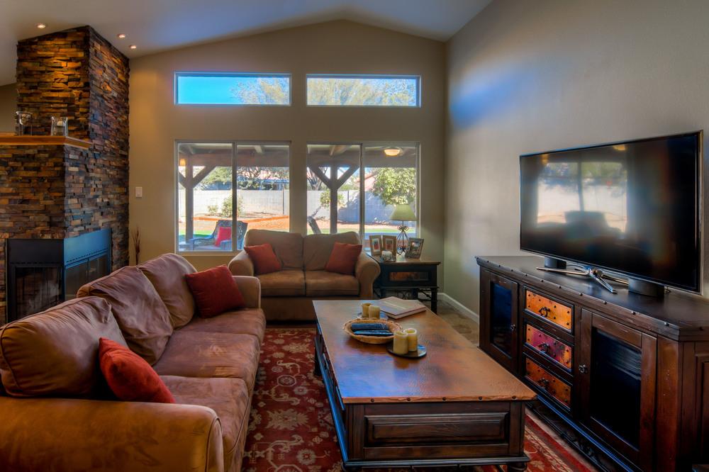 23 Living Room photo e.jpg