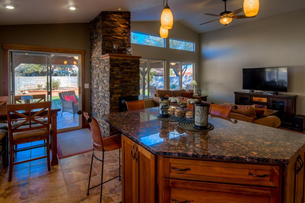 30 Kitchen photo g.jpg