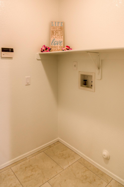 24 Laundry Room.jpg