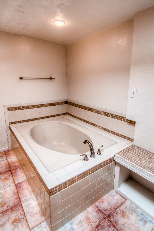 38 Master Bathroom photo b.jpg
