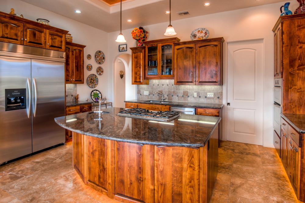 33 Kitchen photo d.jpg