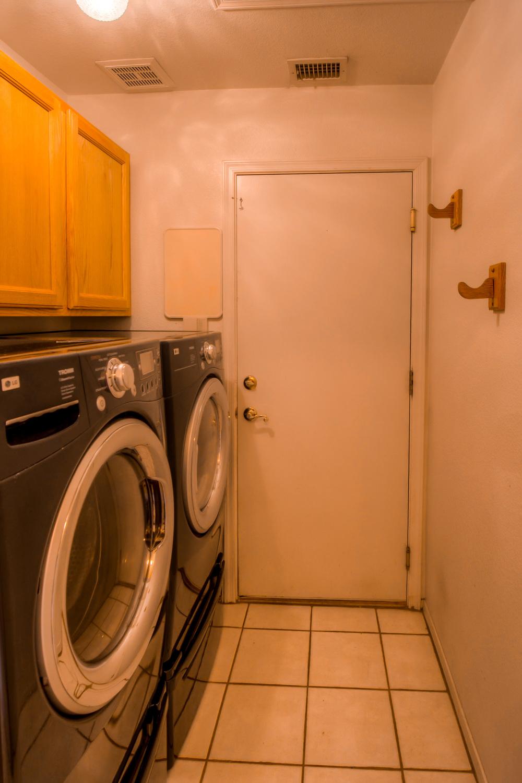 15 Laundry Room.jpg