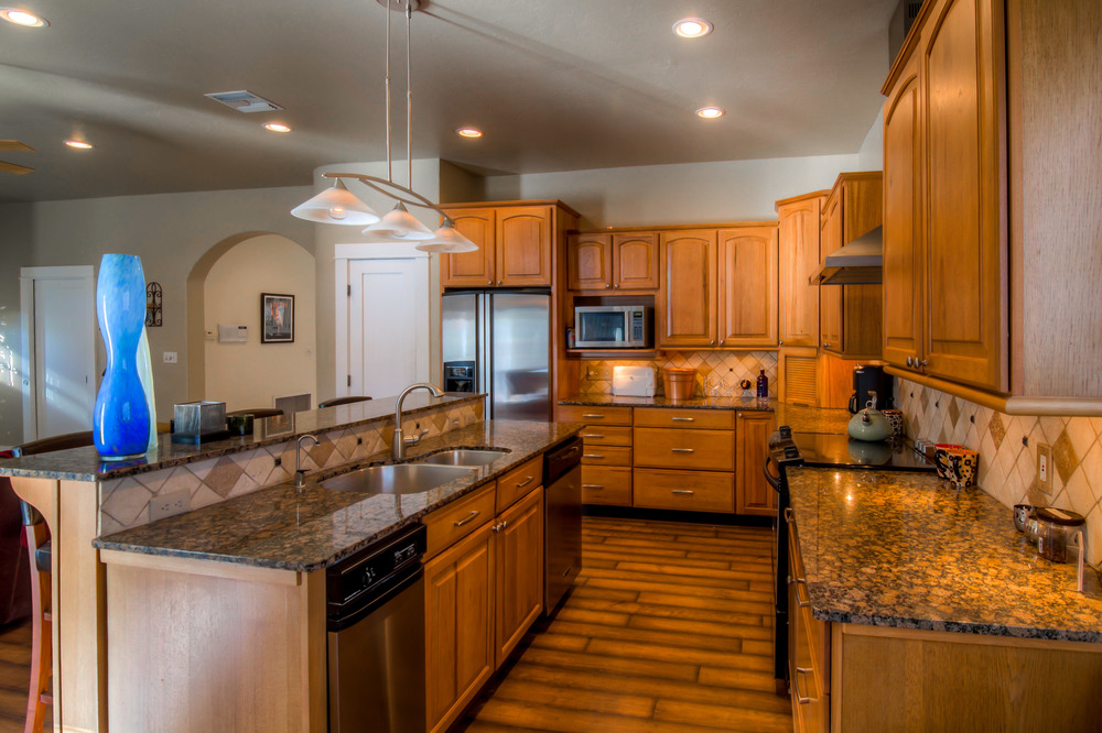 26 Kitchen photo c.jpg