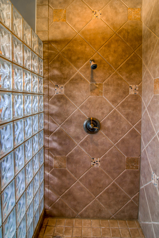34 Master Bathroom photo b.jpg