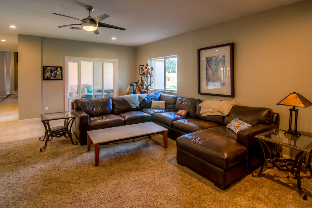 33 Family Room photo b.jpg