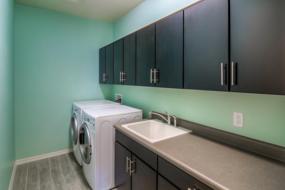 11 Laundry Room.jpg