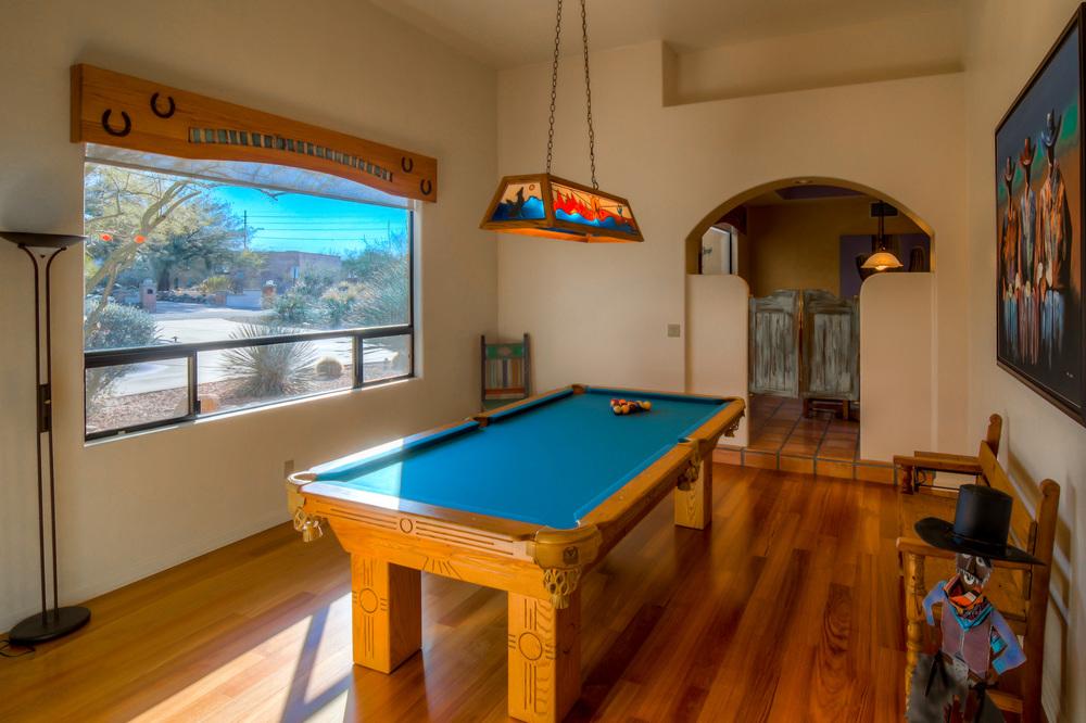 7 Living Room photo a.jpg