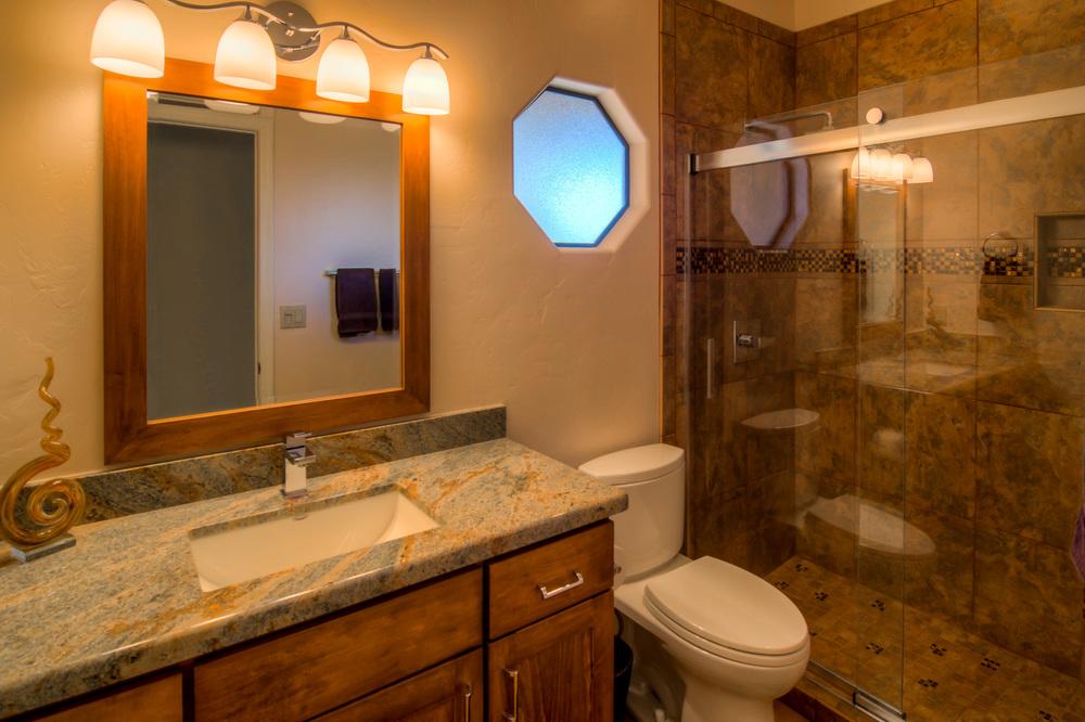 36 Bathroom 2 photo a.jpg