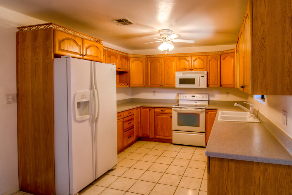 25 Kitchen photo c.jpg