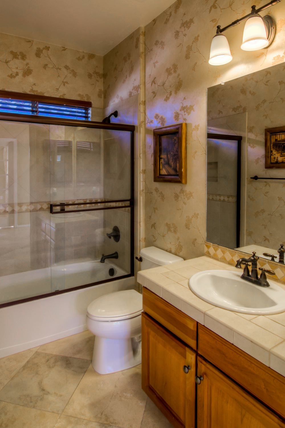 7 Downstairs Bathroom 1.jpg