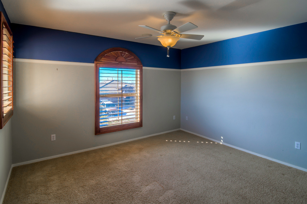 25 Upstairs Bedroom 1 photo a.jpg