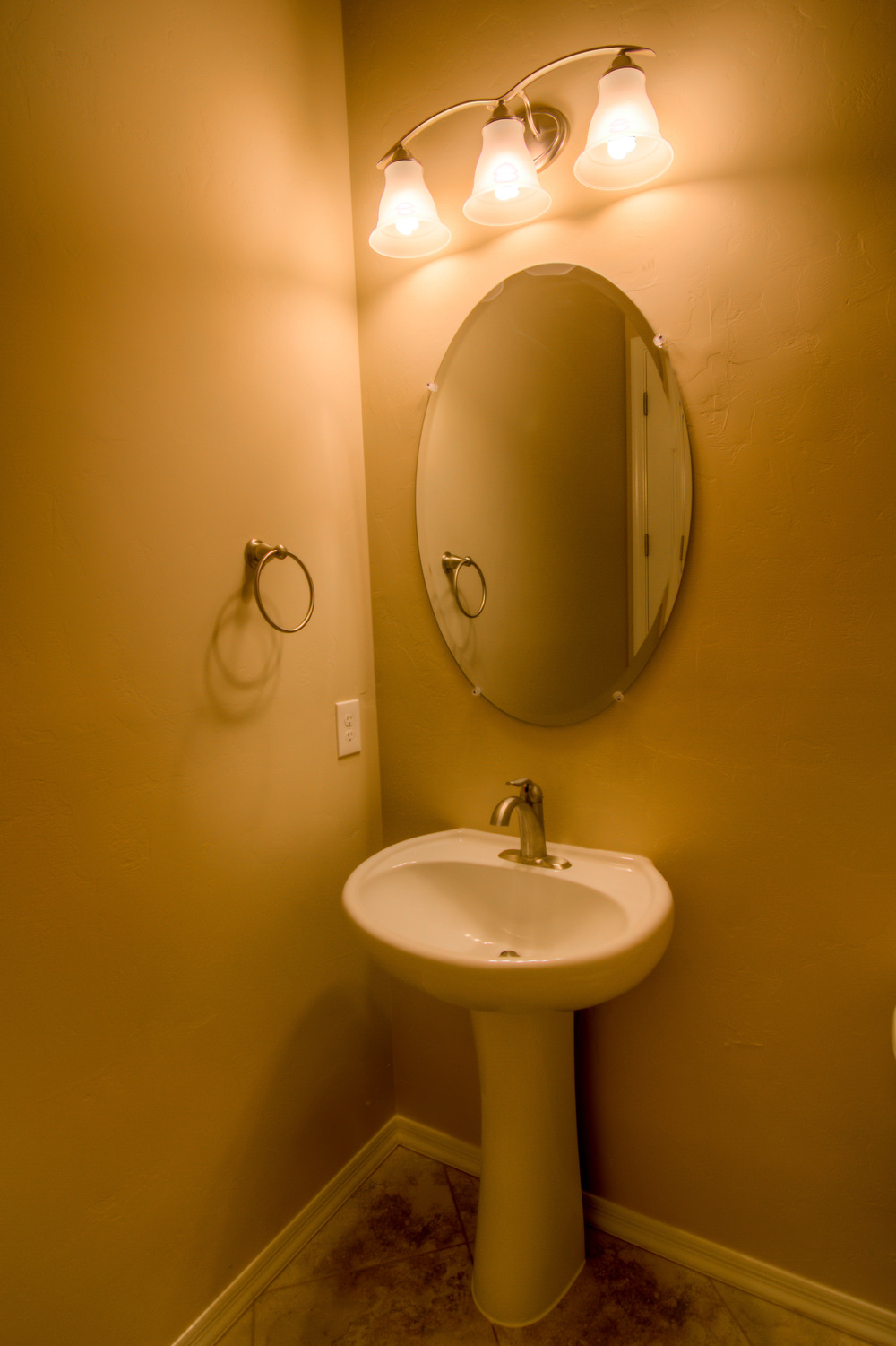 24 Bathroom 1.jpg
