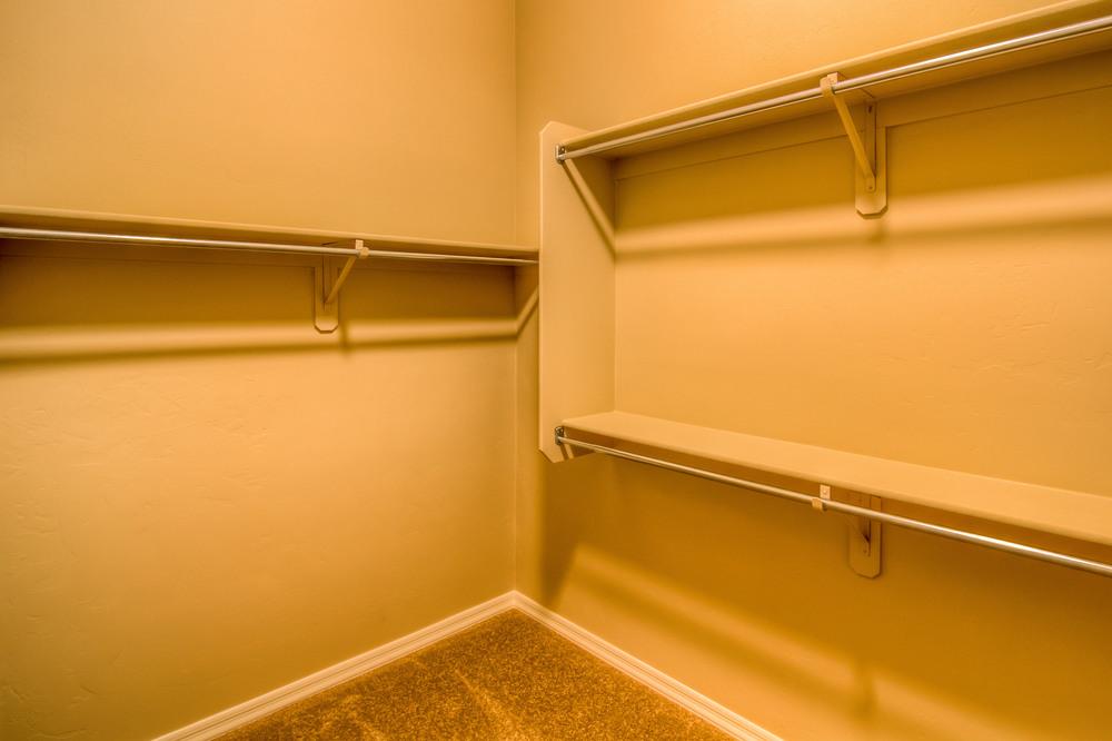 33 Master Closet photo b.jpg