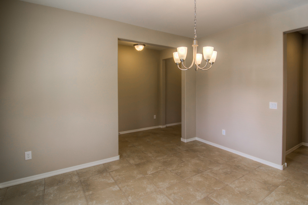 7 Dining Room photo c.jpg