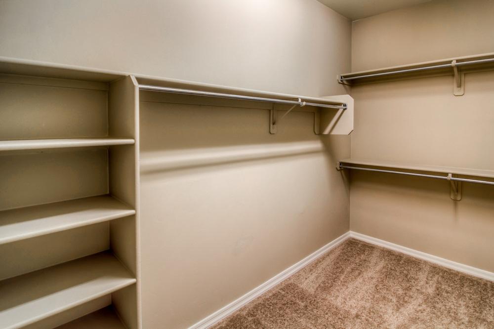26 Master Closet.jpg