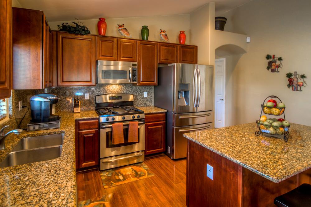 15 Kitchen photo d.jpg