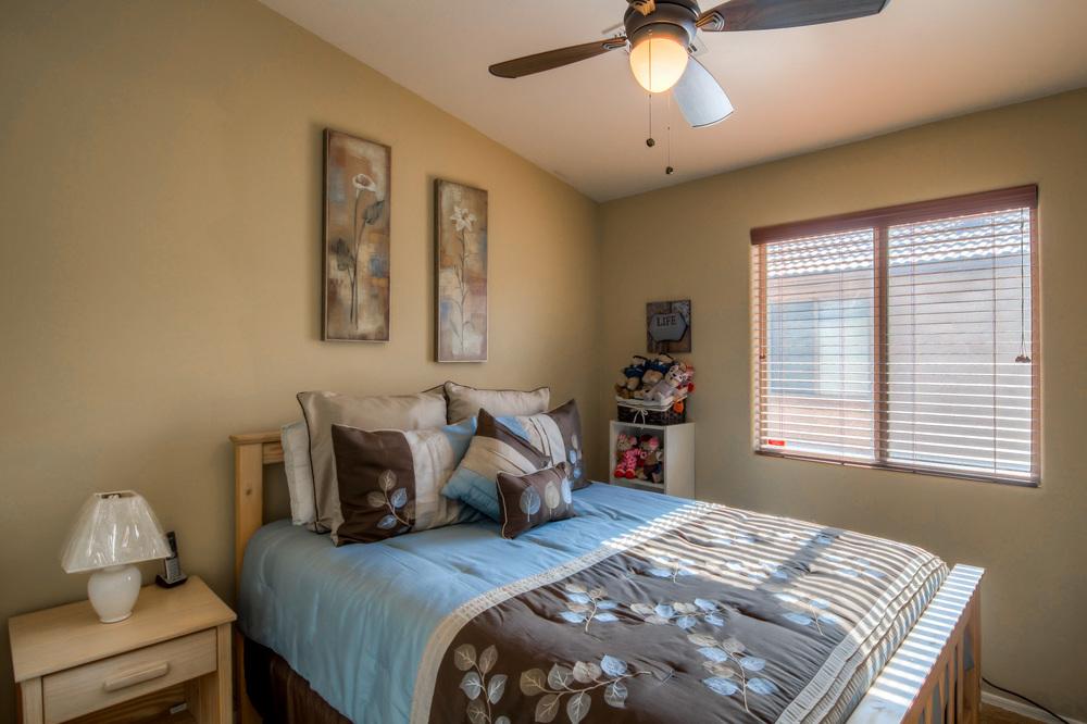 36 Bedroom 3 photo a.jpg