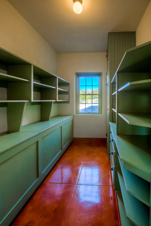 24 Linen Closet.jpg