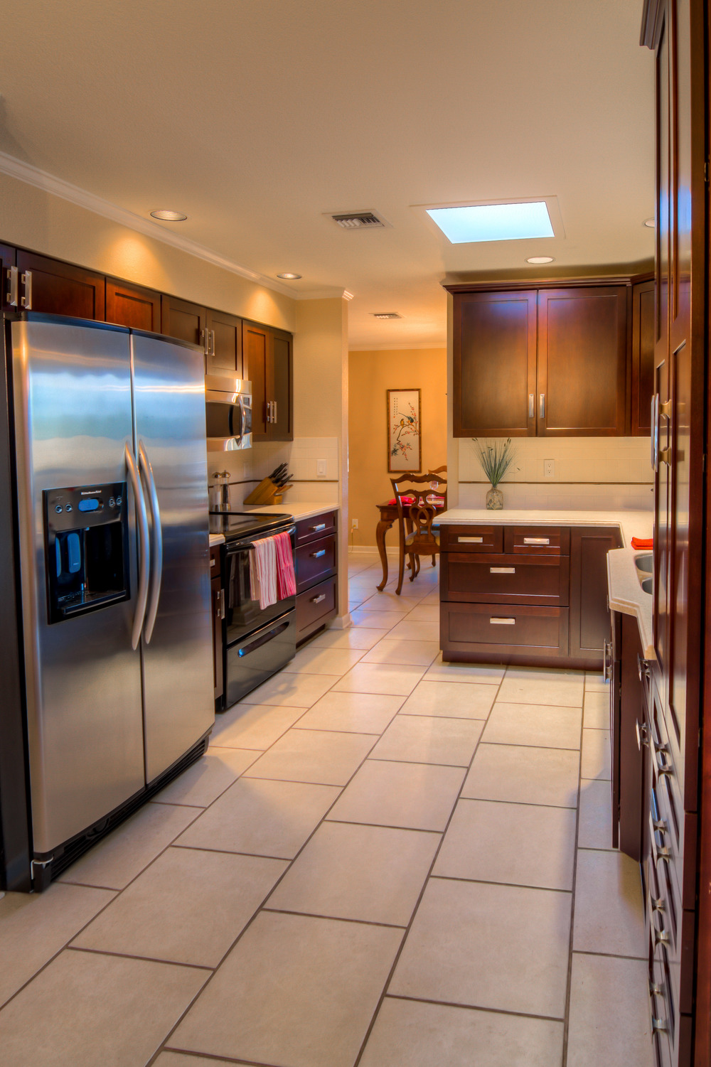 16 Kitchen photo d.jpg